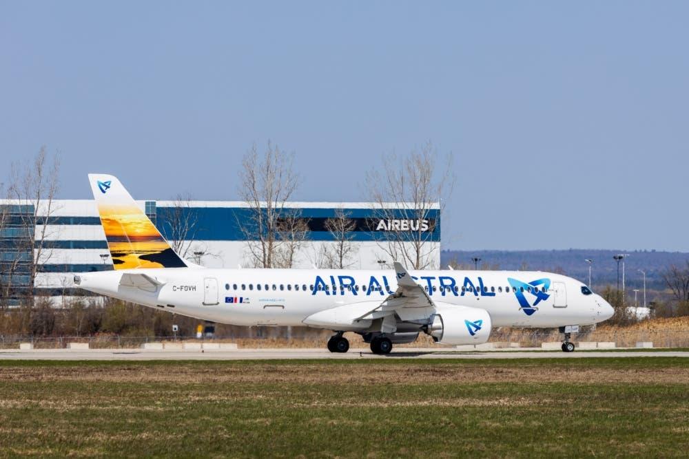 1st A220 Air Austral