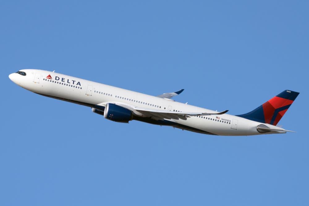 DL A330-900