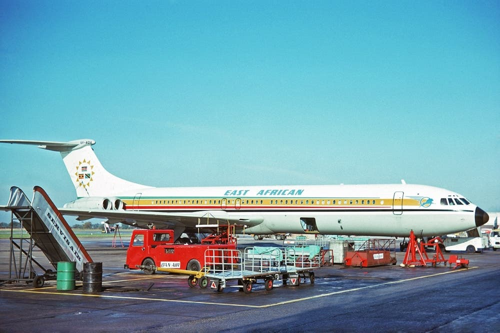 5Y-ADA_Vickers_Super_VC-10-1154_East_African_Airways_MAN_24OCT75