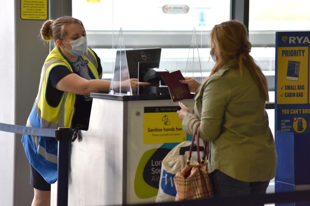 Ryanair, Kiwi.com, Airline Tickets