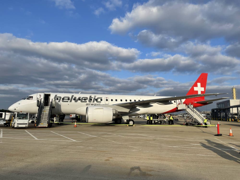Helvetic first E2 flight to LCY